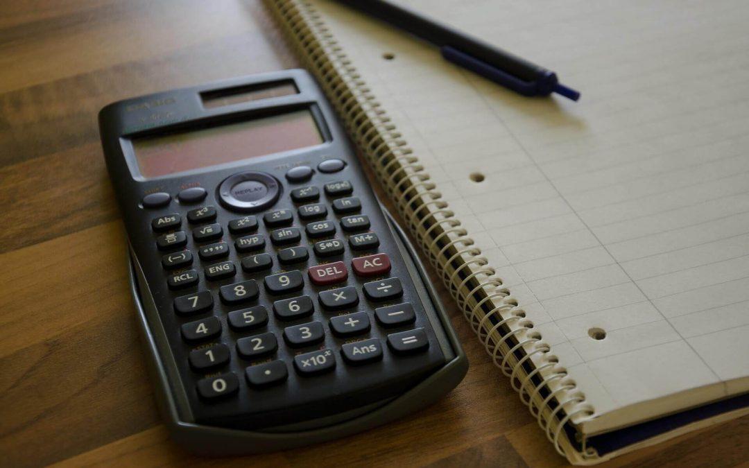 Pitkä vai lyhyt matematiikka? Näillä vinkeillä apua päätöksentekoon